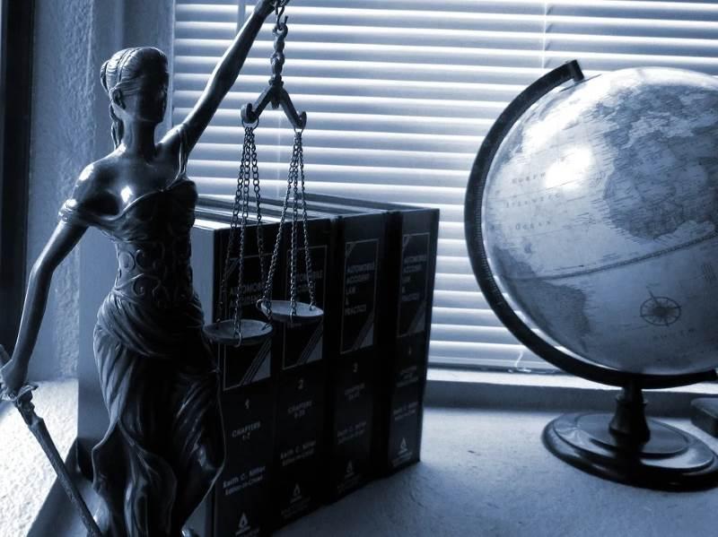 Cómo elegir un buen abogado mercantil